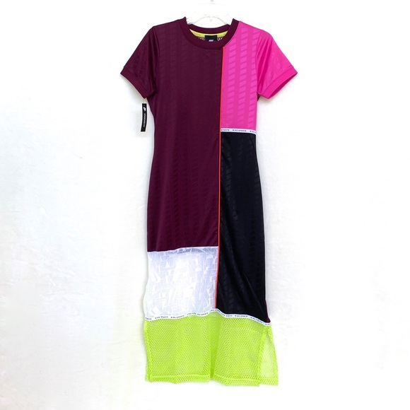 Nike Dresses & Skirts - Nike Nsw Color-Block Bordeaux Dress